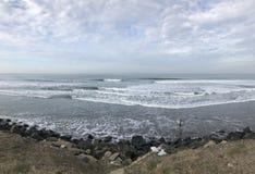 Пляж Сан-Франциско океана заявляет сделанные встречи утра пляжа занимаясь серфингом стоковое фото