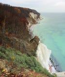Пляж с скалой мелка на острове Ruegen Стоковое фото RF