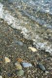 Пляж утеса волны моря стоковая фотография