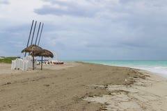Пляж утра пустой, Куба, Варадеро Стоковые Изображения