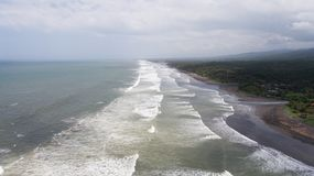 Пляж, штормовая погода, развевает bali Индонесия Стоковые Изображения RF