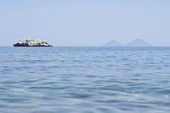 Пляж Brolo, Messina, Сицилия Стоковые Изображения