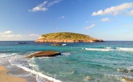 Пляж Cala Comte в Ibiza, Испании Стоковая Фотография RF