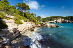 Пляж Cala Mitjana Стоковое фото RF