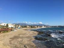 Пляж Calahonda к Calahonda, Mijas, Испании стоковое изображение