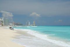 пляж cancun сценарный стоковая фотография