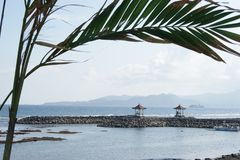 Пляж Candidasa в Бали, Индонезии Стоковая Фотография