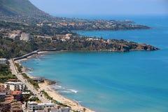 Пляж Cefalu, Сицилии, Италии стоковые фотографии rf