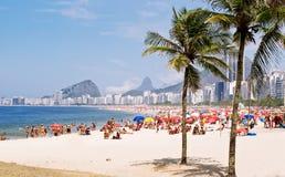 Пляж Copacabana в Рио Де Жанеиро стоковое изображение rf
