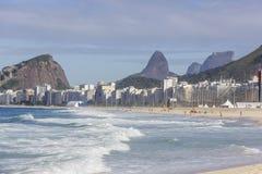 Пляж copacabana Рио-де-Жанейро стоковые изображения rf