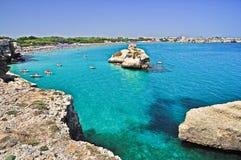 Пляж dell'Orso Torre в Apulia, Италии. Стоковое фото RF