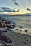 Пляж Edmonds на заходе солнца на звуке Puget, Edmonds, Вашингтоне Стоковое Изображение RF