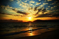 Пляж Itaipu, ³ i NiterÃ, Рио-де-Жанейро Стоковые Фотографии RF