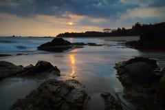 Пляж Karang Songsong в Banten стоковая фотография