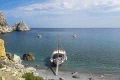 Пляж Kastro, Skiathos, Греция стоковое изображение