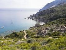 Пляж Kastro, Skiathos, Греция стоковые изображения