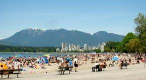 Пляж Kitsilano ` s Ванкувера большинств социальный пляж Стоковые Фото