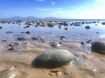 Пляж Llanddwyn стоковые изображения rf