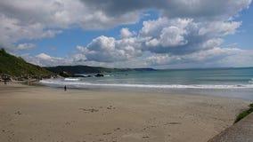Пляж Looe восточный стоковые изображения rf