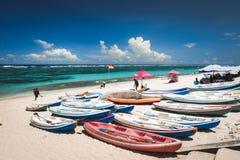 Пляж Pandawa в Бали Индонезии стоковые изображения