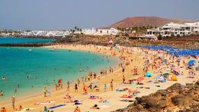 Пляж Playa Dorada в Blanca Playa, Лансароте, Канарских островах стоковое фото