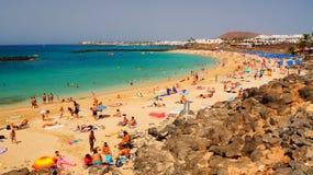 Пляж Playa Dorada в Blanca Playa, Лансароте, Канарских островах стоковые изображения