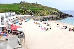 Пляж Porthgwidden, St Ives, Корнуолл, Великобритания стоковые фото