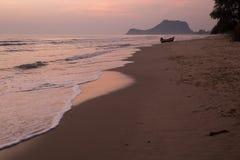 Пляж Pranburi, Prachuap Khiri Khan, Таиланд стоковая фотография rf