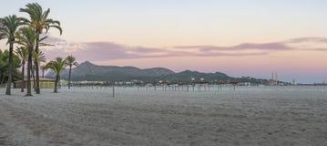 Пляж Puerto de Alcudia стоковые изображения