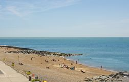 Пляж Rottingdean, Сассекс, Англия стоковые фотографии rf
