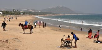 Пляж Rushikonda в Vishakhpatnam стоковое фото rf