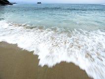 Пляж Sorocotuba в Guaruja, Бразилии Стоковые Изображения RF