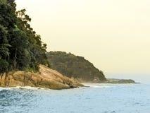 Пляж Sorocotuba в Guaruja, Бразилии стоковое фото