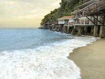 Пляж Sorocotuba в Guaruja, побережье Сан-Паулу, Бразилии стоковые изображения