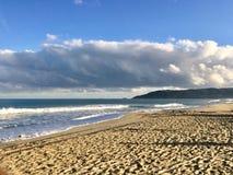 Пляж St Tropez в осени стоковая фотография rf