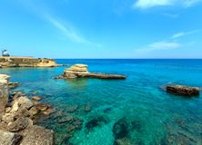 Пляж Torre Sant' Андреа, Salento, Италия Стоковое фото RF