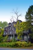 Побегите вниз с дома в Вермонте Соединенных Штатах Стоковое фото RF