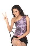 победа знака девушки индийская сделанная Стоковая Фотография