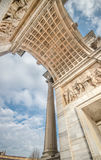 Побежка Porta Sempione della Arco в милане Стоковое Изображение