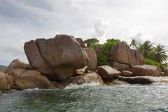 Побережье гранита на тропическом острове St Pierre, Сейшельских островах Стоковое Изображение RF