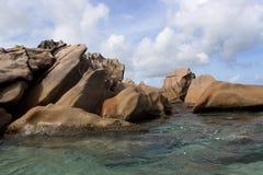 Побережье гранита на тропическом острове St Pierre, Сейшельских островах Стоковые Фото