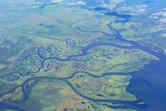 Побережье Камчатского полуострова отрезано артериями воды Тихого океана Взгляд от плоскости Стоковые Фото