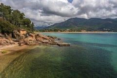 Побережье курорта на море Sagone в Корсике стоковые изображения rf