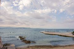 Побережье моря в St Tropez стоковое фото