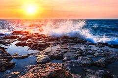 Побережье моря на заходе солнца Стоковая Фотография RF