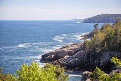 Побережье национального парка Acadia скалистое стоковые изображения rf