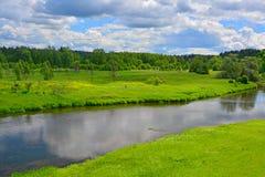 2 побережья реки Ruza в Komlevo, области Москвы, России Стоковое Изображение RF