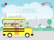 повезите школу на автобусе Счастливый усмехаться ягнится катание на школьном автобусе с водителем Шаблон для брошюры рекламы, ваш бесплатная иллюстрация