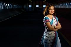 повелительница привлекательного costume индийская традиционная Стоковое фото RF