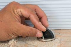 Поверните винты для того чтобы исправить бампер стоковое изображение rf